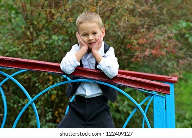 Photo session of boy in a municipal park