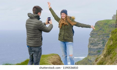 Photo shooting at the Cliffs of Moher