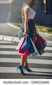 Photo shooting girl in shopping