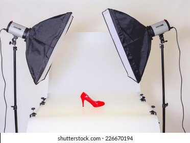Photo table for product advertising