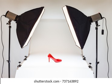 Photo table for product promotion