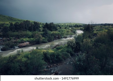 The photo was taken in the springtime on the Jordan River in Israel, before it started to rain, using the ND filter. At this time, the river is still full of water and everything is green around.