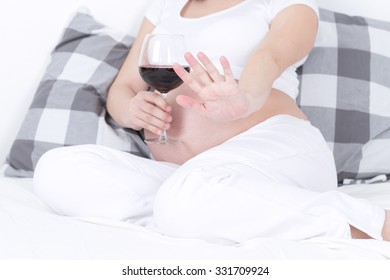 photo telling stop drinking any alcohol during pregnancy