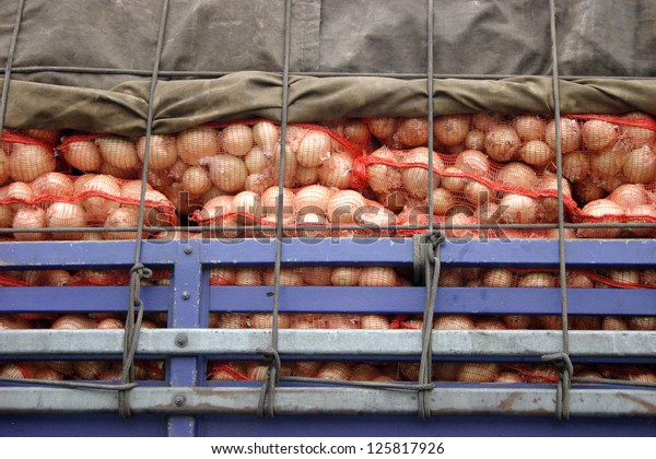 Photo of Transporting onions