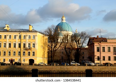 Photo views of St. Petersburg on the canal embankment in the spring at sunset