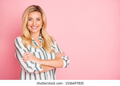 Photo of white cheerful cute charming pretty business lady with arms crossed showing her intelligence smiling beaming isolated over pastel color background