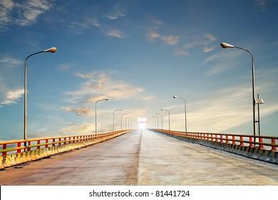 Photo of the Yellow River bridge, the second longest bridge in China