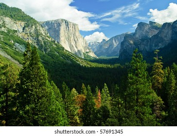 photo yosemite national park, scenic beautiful mountain forest landscape. yosemite national park California america, usa.