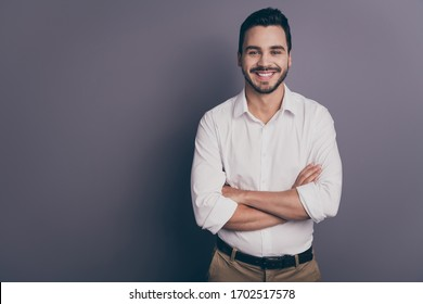 Photo of young macho business man employer meet colleagues corporate seminar friendly smiling arms crossed wear white office shirt pants isolated grey color background