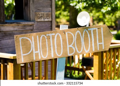 Photobooth sign outdoors at a wedding reception in Oregon.