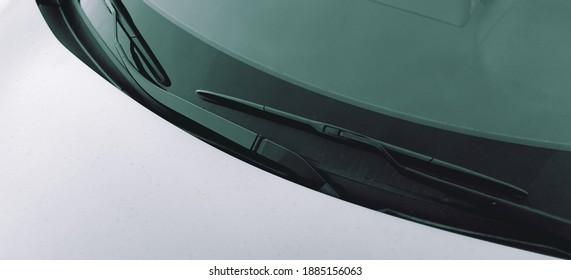 Photograph of a car windscreen wiper ( Para-brisas de um carro ). Car, Objects, Items.