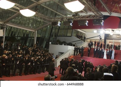 Photographers shooting  the 'Redoubtable' premiere during the 70th annual Cannes Film Festival at Palais des Festivals on May 21, 2017 in Cannes, France.