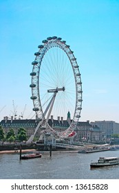 A photography of the attraction London Eye