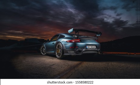 Photoshoot of a Porsche GT2RS, done for a local Porsche dealer.