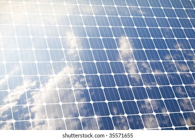 Photovoltaic panel for renewable cleaned energy