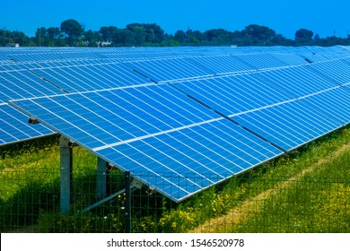 Photovoltaic solar farm with large panels