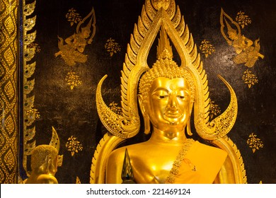 Phra Buddha Chinnarat is the most beautiful and the large bronze buddha sculpture  in Phitsanulok, Thailand.