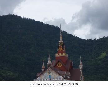 Phra Jedi, Phra That Pha Hid Kaew Temple