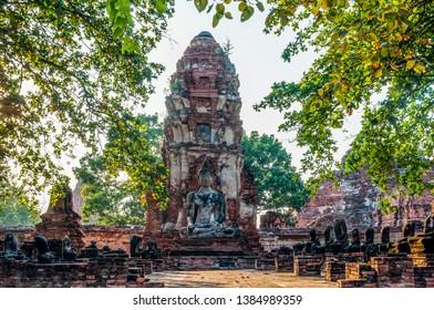 Phra Nakhon Si Ayutthaya. Thailand. 09/11/2018. Wat Phra Mahathat. Seated Buddha