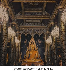 Phra Phuttha Chinnarat is located in the main wihan of Wat Phra Si Rattana Mahathat.  King Rama IV praised it as one of the three most highly respected Buddha images in Thailand.