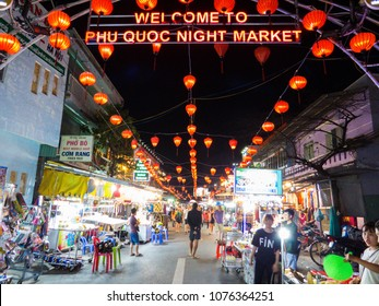 """PHU QUOC, VIETNAM - FEBRUARY 5, 2018: The """"Phu Quoc Night Market"""" in Duong Dong."""