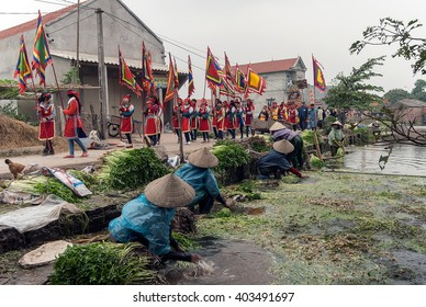 PHU THO, VIETNAM, March 2, 2016 processions, village festivals, go through the lakes, the countryside Phu Tho, Vietnam