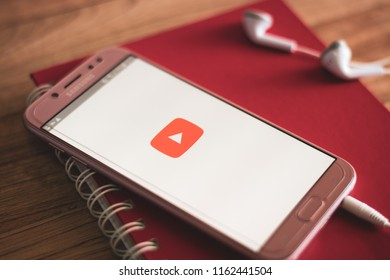 Notebook Youtube Images, Stock Photos & Vectors | Shutterstock