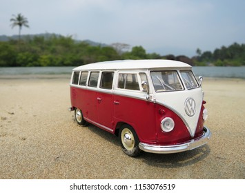 Vw Bus 2015 >> Vw Bus Surf Images Stock Photos Vectors Shutterstock