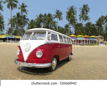 Vw Bus 2015 >> Vw Bus At Beach Stock Photos Images Photography
