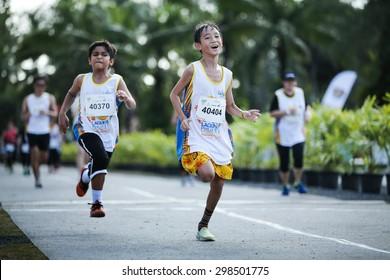 Kids Running Race Images Stock Photos Vectors 10 Off