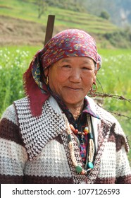 PHULPING KATI, NEPAL - MARCH 9, 2018 : LOCAL WOMAN FROM THE VILLAGE OF PHULPING