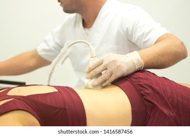 Physiotherapy clinic Intratissue Percutaneous Electrolysis EPI dry needling physiotherapist patient injury.