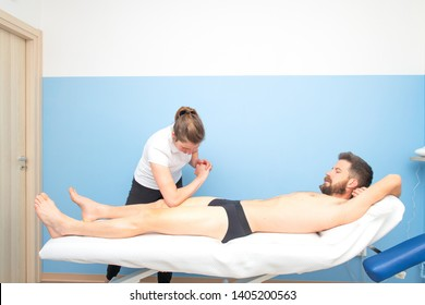 Physiotherapy treatment to the sportsman's quadriceps