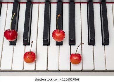 Piano chord shown by cherries on the key - Minor Seventh series - C#m7 (C sharp minor seventh) / Dbm7 (D flat minor seventh)