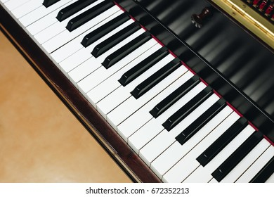 Piano in classroom, top view