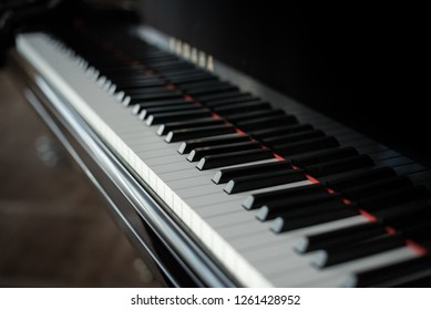 piano keyboard background