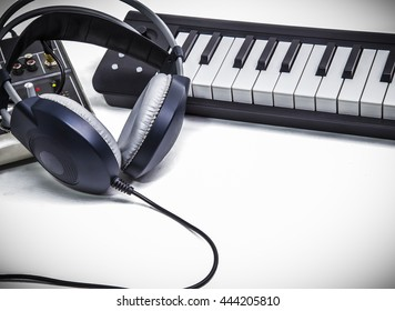 Piano keyboard and Headphone music with Mixer
