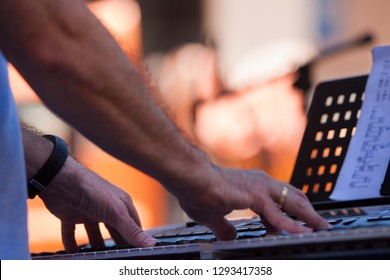 piano performance at the street