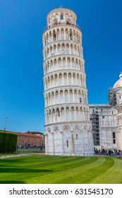 Piazza del Duomo with Leaning Tower in Pisa, Tuscany, Italy
