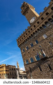 Piazza della Signoria with the Palazzo Vecchio (1299) in downtown of Florence, UNESCO world heritage site in Tuscany, Italy, Europe
