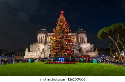 """Piazza Venezia in Rome during Christmas 2018, with the new """"Spelacchio"""" tree."""