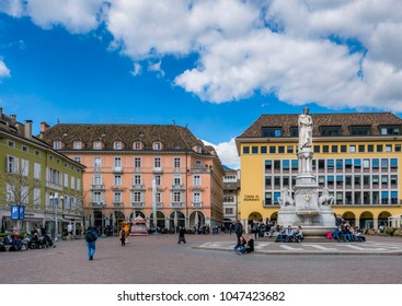 Piazza Walther Platz Square in Bozen with the monument to the poet Walther von der Vogelweide, Bolzano, South Tyrol, Italy, Europe, 14. March 2018