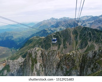 Pic du midi, Pyrénées/ France - 09/09/2019 : Panorama of the massif of the French-Spanish Pyrenees and the Pic du Midi cable car