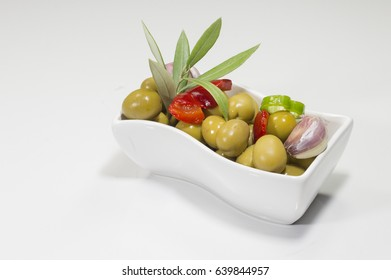pickled-green-olives-bowl-260nw-63984495