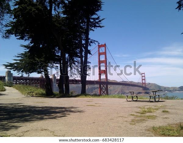 Picnic area near the Golden Gate Bridge