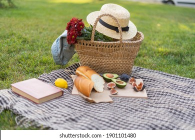 picnic basket, accessories for summer