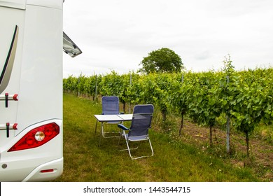 Picnic in front of the vines, Camper tour Alsace