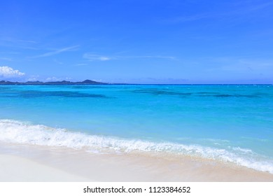Picture of a beautiful beach in Okinawa.