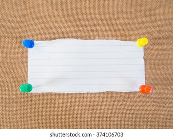 picture of blank note on wooden wall