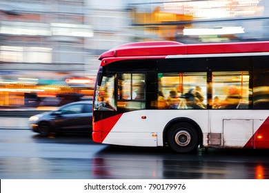 picture of a bus in city traffic in motion blur
